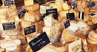 Formaggio francese in un mercato