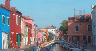 Case colorate lungo il canale a Venezia