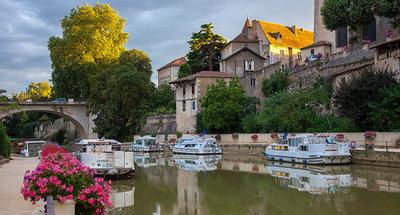 Bella città medievale di Nerac
