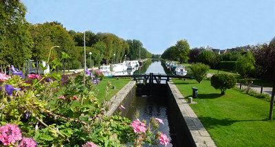 Fiori sul canale a Messac