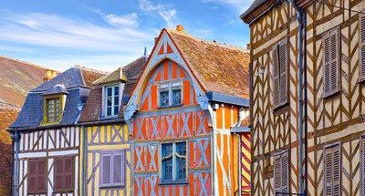 Legname colorato ad Auxerre