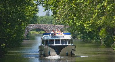 Barca Vision sul Canal du Midi