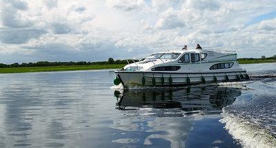 Ammirando il panorama del Lough Derg