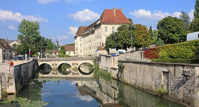 Scopri Dole, una pittoresca cittadina francese