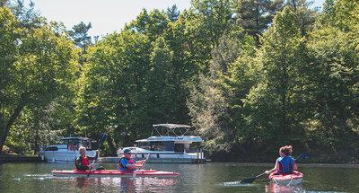 Kayak alla stazione di chiuse di Chaffey