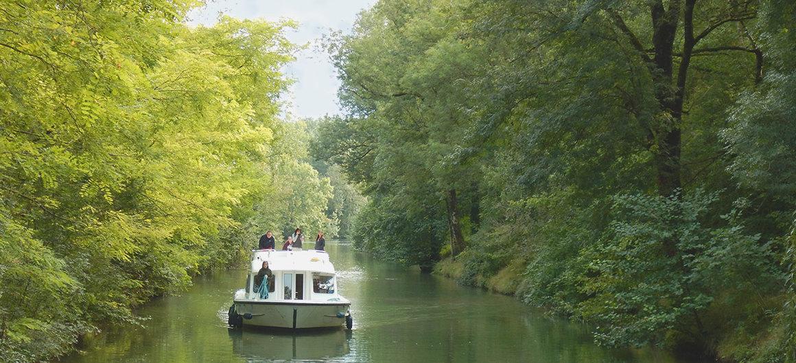 Barca Le Boat sul fiume Charente
