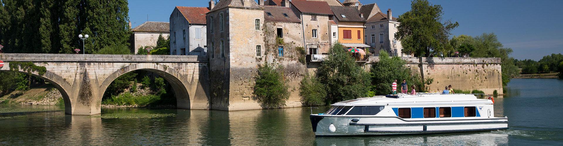 La barca Vision in Borgogna